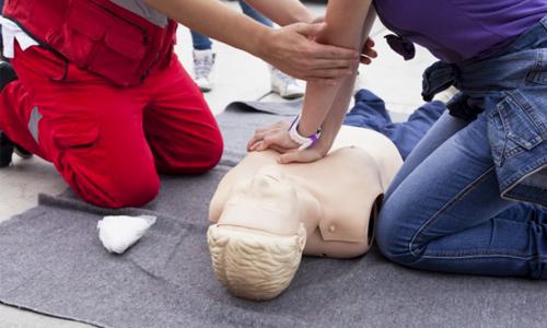 atelier arret cardiaque et utilisation defibrillateur